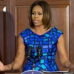 """Michelle Obama enfrenta republicanos que exigen comida """"chatarra"""" en escuelas"""