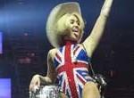 Miley Cyrus pasó del twerking al porno afirma la crítica de su recital en Londres