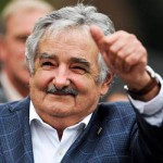 Mujica vaticina que los desafíos de futuro son el envejecimiento de la población y descentralizar la Educación