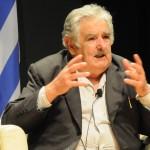 """Mujica advirtió que en el mundo actual hay una """"brutal crisis política"""" y cuestionó el comercio mundial"""