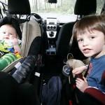 Hay acatamiento de la población en cuanto al uso de sillas para niños y maleta de primeros auxilios en autos