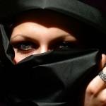 Tribunal Europeo de la UE, considera legítima la prohibición de utilizar el velo islámico (burka) en espacios públicos