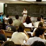 Cuatro de cada diez estudiantes de Montevideo repiten el liceo