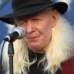 """Woodstock pierde su ícono albino: Johnny Winter se suma a inmortales del """"blues"""""""