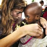 """Se inaugura muestra de fotos """"Médicos Sin Fronteras"""" en Ciudad Vieja"""