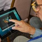 Vázquez dijo que las tablet para jubilados tendrán botón de pánico y recordatorio para tomar remedios
