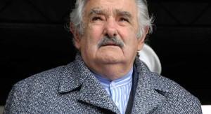 """Mujica dijo que el próximo gobierno no pasará angustias para salir a tapar """"agujeros"""" porque hay 18 mil millones de dólares en reservas"""