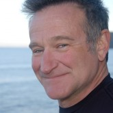 El actor Robin Williams encontrado muerto en su casa aparentemente por suicidio