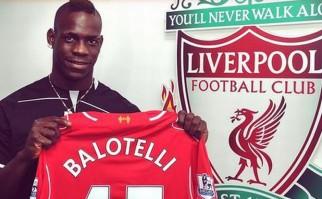Balotelli llegó al Liverpool para ocupar el lugar de Suárez
