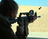 Niña de 9 años que aprendía a disparar una Uzi mata a su instructor de un tiro