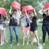 """""""Ice Bucket Challenge"""" o """"Desafío del balde de hielo"""" viral en la web por buena causa"""