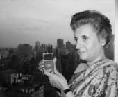 India prohíbe estrenar película sobre Indira Gandhi por temor a olas de violencia