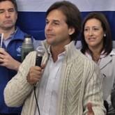 Lacalle Pou asegura que si llega a presidente institucionalizará la ayuda social