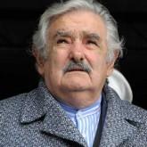 Mujica pide a la ciudadanía comparar el país productivo actual, con el del 2000 en que los niños comían pasto