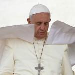 """Papa insiste en viajar a Irak: """"Es lícito detener al agresor, no bombardearlo"""""""