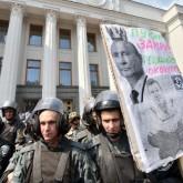 Rusia manda 280 camiones de ayuda humanitaria a Ucrania que Cruz Roja no reconoce: Occidente teme una invasión