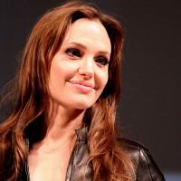 Científicos refutan que doble mastectomía de Angelina Jolie prevenga del cáncer