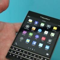 """BlackBerry presenta hoy su nuevo smartphone: el """"cuadrado"""" Passport  con teclado"""