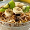 Granola con yogur y frutas