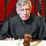 """Juez de Nueva York declara a Argentina """"en desacato"""" y le ordena pagar a los fondos buitre"""