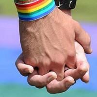 Aprueban ley para castigar con latigazos a homosexuales