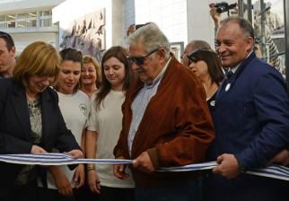 Mujica participa en inauguración de nuevo centro cultural Pedro Figari