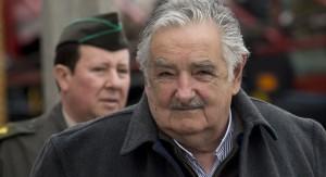 Mujica llega este lunes a Finlandia donde iniciará negociaciones para instalar en Uruguay la tercera planta de celulosa