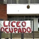 """Paro de profesores y ocupación del Liceo 57 por """"fin de autoritarismo"""" y mejoras en condiciones de aprendizaje"""
