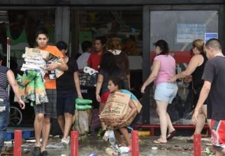 México sufre dos huracanes simultáneos y Baja California está en emergencia