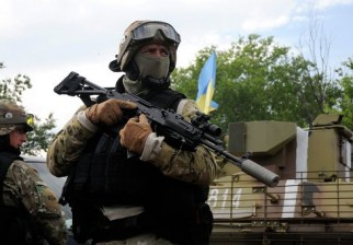 Firman acuerdo de paz pero denuncian ataques de artillería desde áreas rebeldes