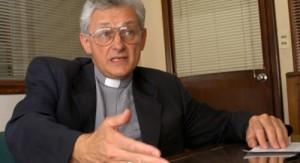 Galimberti destacó generosidad de padre Cacho quien podría ser declarado santo