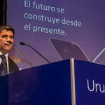 Tabaré Vázquez y Raúl Sendic proponen modificaciones al IRPF y aumentar el salario real en su programa de gobierno