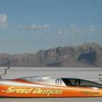 Busca batir récord de velocidad, pero a 600 kilómetros por hora vuelca: sobrevivió