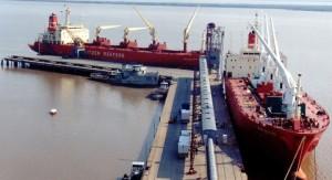 Buques de dimensiones para cruzar el canal de Panamá podrán operar en Paysandú