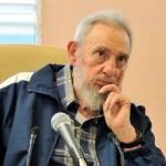Fidel Castro saluda la Brigada Médica Cubana que enfrenta al ébola en África