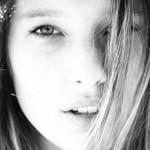 Nace una estrella: llona Smet, nieta de Johnny Hallyday y Silvie Vartan