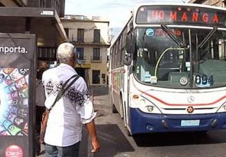 Mujica dijo que pedreas a ómnibus en accesos son botijas que se pasan de la raya