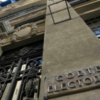 Corte Electoral aclara que sobres hallados en la basura son sobrantes y nada se perdió