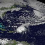 """Huracán """"Gonzalo"""" supera 200 kms./hora y se dirige al centro de las islas Bermudas"""