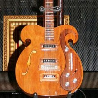 Subastarán guitarra del ex Beatle Johon Lennon