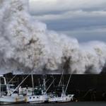 Tifón Phanfone arrasa Japón con vientos de 180 kms.: hay muertos y desaparecidos