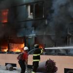 Estudiantes, maestros y padres incendian Palacio de Gobierno exigiendo aclarar desapariciones