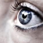Injertan células madre en la retina y  devuelven la visión a personas ciegas