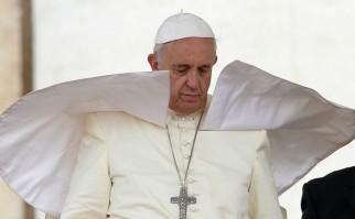 """Papa Francisco pide """"respuesta adecuada"""" contra Estado Islámico, que vuelve a ganar terreno"""