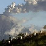 """Frontera Ecuador-Colombia: """"Alerta naranja"""" ante erupciones volcánicas tras sismos"""