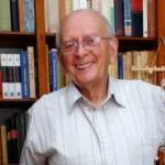 Biblioteca personal del antropólogo Daniel Vidart se transformará en biblioteca pública