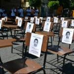 Concierto en Sala Zitarrosa por familias de estudiantes asesinados y 43 desaparecidos en México