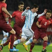 Un gol en el descuento permite a Portugal ganar el duelo Messi-Cristiano