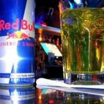 """Bebidas energizantes provocan síntomas cardíacos y neurológicos """"serios"""" en los niños"""