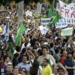 Página oficial del Ejército brasileño en Facebook autoriza comentarios pidiendo un golpe de Estado contra Dilma